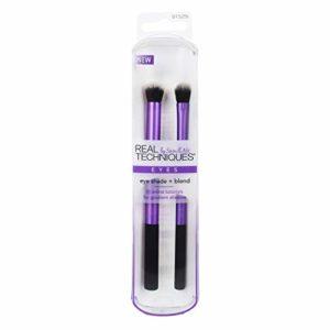 Real Techniques Pinceauxde Maquillage pour Fard àPaupièreses et Estompage (La couleur de l'emballage et du manche peut varier)
