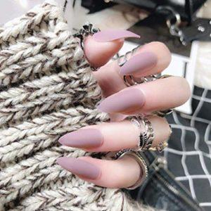 Simsly mat faux ongles appuyez longuement sur les ongles ballerine nue pure couleur pleine couverture cercueil faux ongles pour les femmes (24pcs)