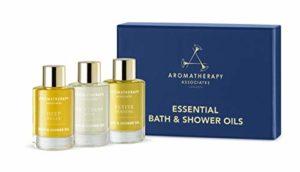 Aromatherapy Associates Essential Bath & Shower Oil Gift Collection (3 Count de 9 ml) contenant des huiles de bain et de douche Deep Relax, De-Stress Mind et Revive Matin Huile de bain et de douche.