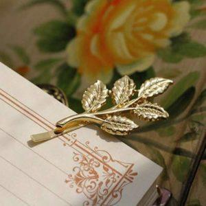 Xiniufsd Épingle à Cheveux Mode élégante Coiffe for Les Dames Pince à Cheveux Triangular Lune lèvres Ronde bâton Barrette en épingle à Cheveux épingles à chignons tête Accessoires 1pcs (Color : 3)