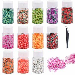 8500 pièces Ongles Fruits Tranches Nail Art Polymere Tranches de fruits d'art d'ongle Slime d'art d'ongle avec une pince à épiler pour accessoires d'ongles, décorations de téléphone portable