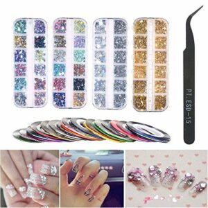 Nail Art Stickers Bande à Ongles Rayée, 4 Boites 12 Grilles Strass Multicolores for Ongles, Couleurs Assorties Kit Diamants Art for Ongles Avec Pince À Épiler for Fournitures Décorations Ongles Art