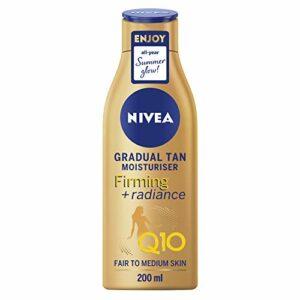 NIVEA Q10 Crème raffermissante + Radiance 200 ml Activation du bronzage Crème raffermissante avec Q10 Soutient un bronzage progressif Hydratant pour un bronzage éclatant
