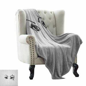 Couverture en fausse fourrure avec cils, dessin artistique monochrome de jeune femme, yeux plumes, papillon et détails floraux, noir et blanc, tissu en microfibre de luxe 76,2 x 127 cm