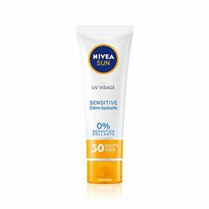 NIVEA SUN UV VISAGE Sensitive Crème Apaisante FPS 50 (1 x 50 ml), Crème solaire visage formule pour peaux sensibles, Protection solaire immédiate sans parfum & non grasse