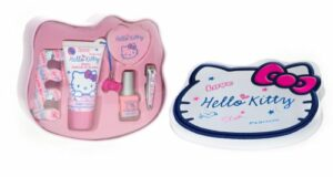 Hello Kitty Scribble Coffret Manucure Lotion Mains et Corps 50 ml + Coupe Ongles + Vernis à Ongles + Lime à Ongles + Séparateur